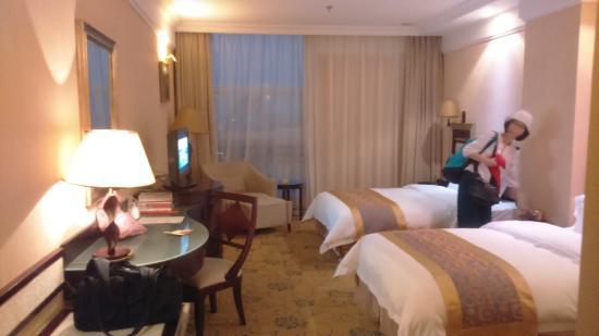 City Hotel: twin room