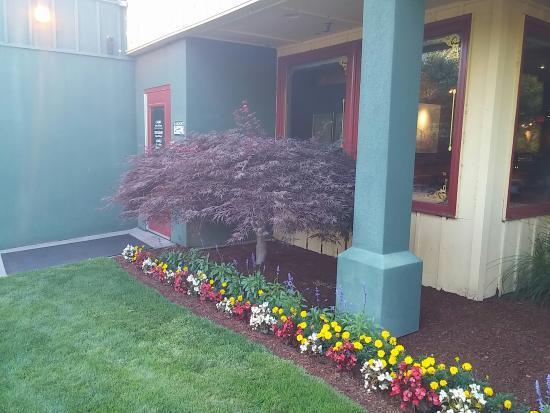La Center, واشنطن: Welcome to Last Frontier Restaurant