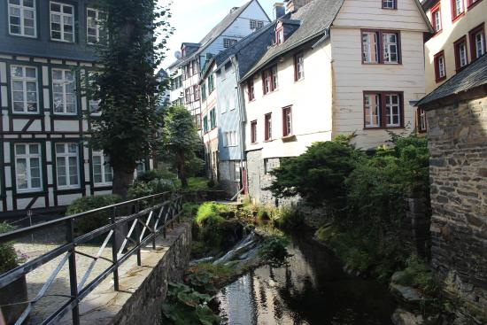 Eifeldom Monschau-Kalterherberg: Beautiful 1/2-timbered Monshau
