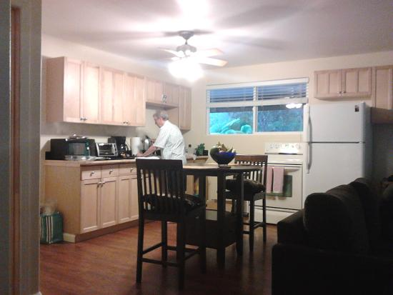 5th Street Ohana : fully equipped kitchen