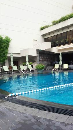 Swimming Pool Picture Of Regent Singapore A Four Seasons Hotel Singapore Tripadvisor