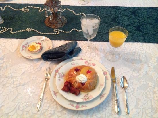 Reagan's Queen Anne : Delicious breakfast.