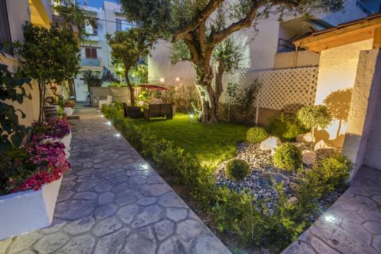 Hotel Sonia's Garden 2015!!