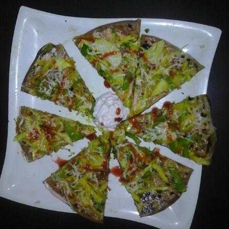 Veg Pizza Paratha