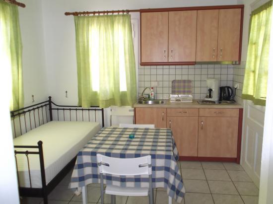 Morfeas Pension: Upper floor apartment No10