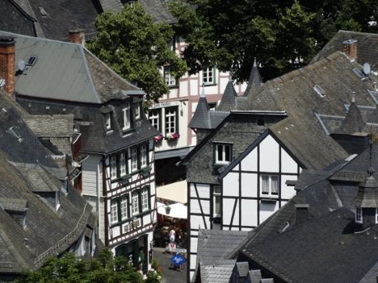 Eifeldom Monschau-Kalterherberg: Another view from the castle.