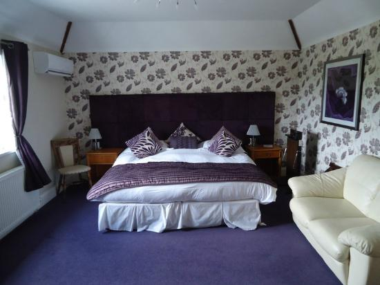 Lavender House Hotel: Our lovely comfortable room