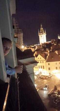 Hostel Franz Kafka: The view of the Old Town Square from our room