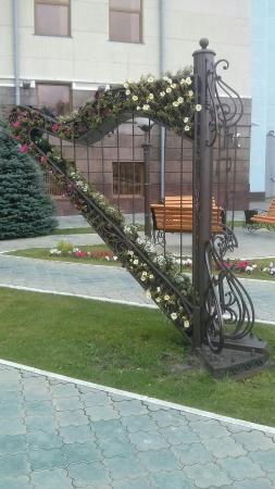 Скульптура Арфа