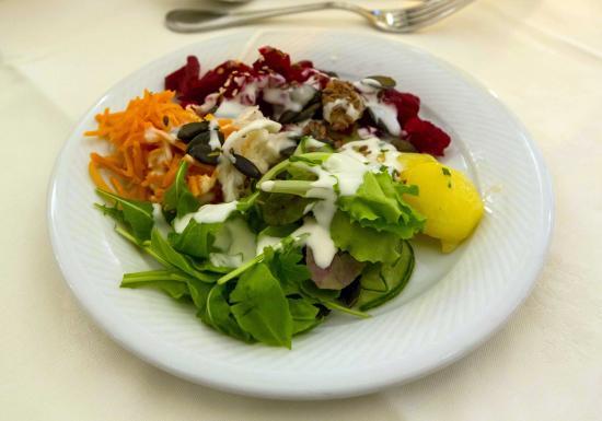 Hotel garni Almesberger: Mein selbst zusammengestellter Salat