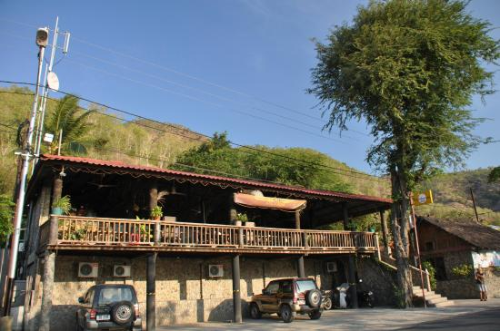 Hotel California Dili : Front view of the hotel