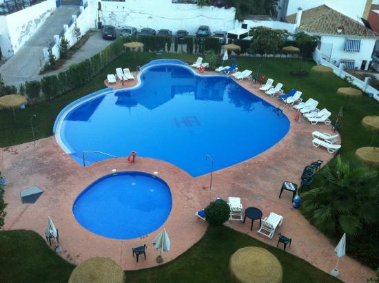 Andalucia Hotel: La picina de agua salada, estupenda.
