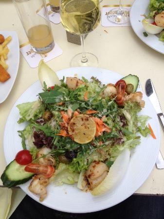 Walderdorffs: Very tasty salad!