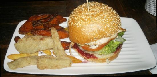Grill'd Bondi Junction: Bird & Brie burger with Potato, Sweet potato & Zucchini chips