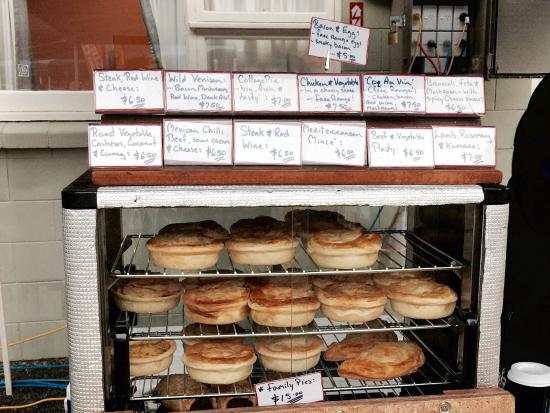 Ohoka, Nuova Zelanda: Fantastic home made pies