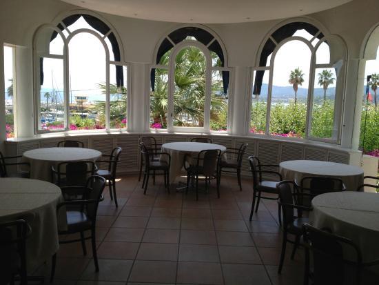 Auberge de la Calanque : Dining area