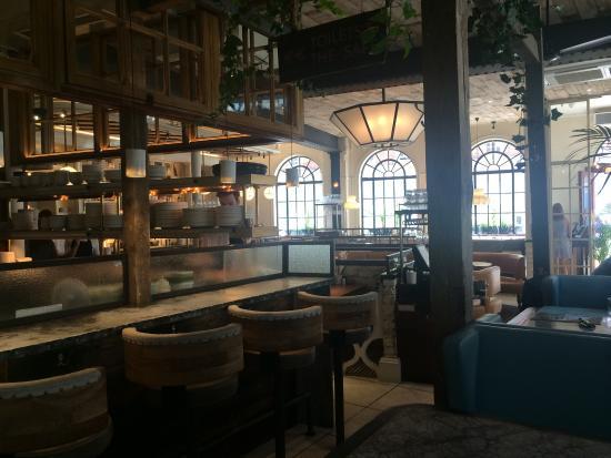 Restaurant picture of blixen london tripadvisor for 14th avenue salon albany oregon