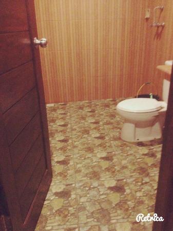 Puri Bali Hotel: salle de bain