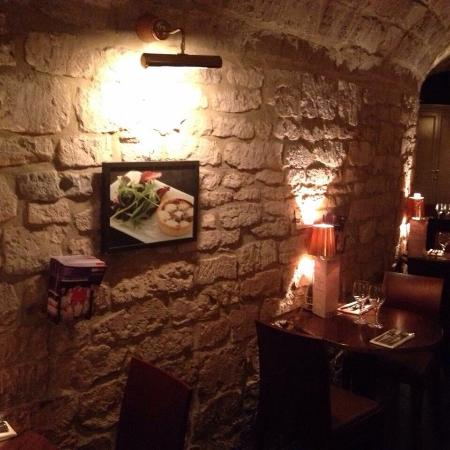 The Vaults Restaurant: photo2.jpg