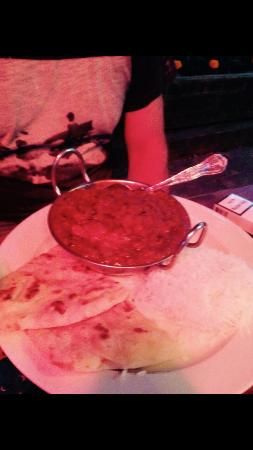 Shepperton, UK: Substandard, forgettable curry
