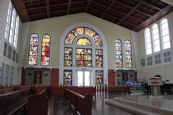 聖母マリア大聖堂, ステンドグラスが美しいです。