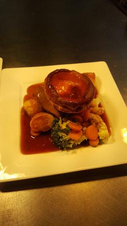 The Huntsman: Sunday Roast