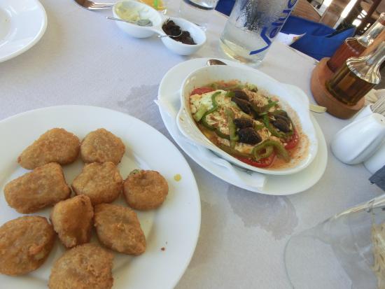 chilis gefüllt m feta und boujourdi picture of thalami taverna
