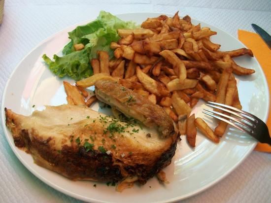 La partie prot g e du restaurant photo de la trinquette - Restaurant avenue du petit port annecy ...