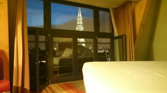 ألما جراند بليس هوتل: View from room 506 at night