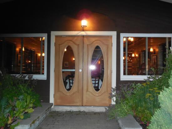 Angelina's Ristorante & Wine: not the entrance