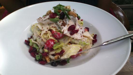 The House Cafe Tesvikiye : Light Chicken Salad