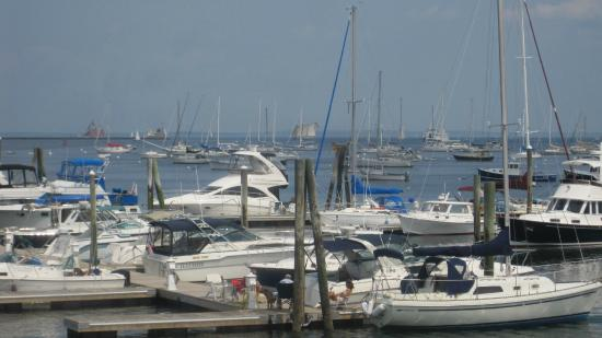 Hampton Inn & Suites Rockland: Marina Just a Few Minutes Away from the Hotel