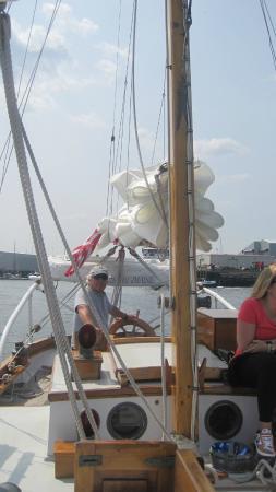 "Hampton Inn & Suites Rockland: Captain Bob - ""DMB - Datta's My Boat!"""