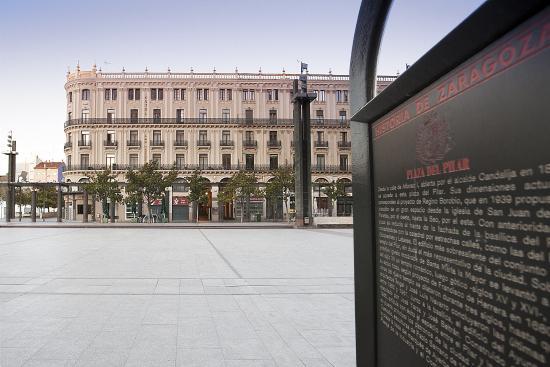 Hotel Pilar Plaza: Fachada