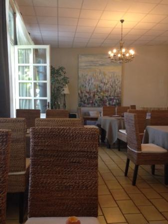 Citotel de Provence : Welcoming dining room