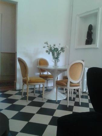 Chateau de Fajac la Selve: le salon du chateau