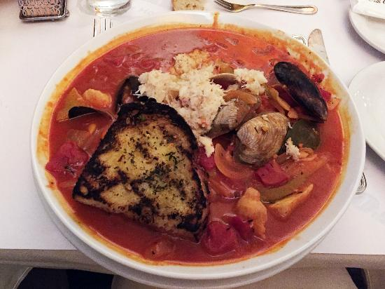 Cioppino picture of fog harbor fish house san for Fog harbor fish house san francisco