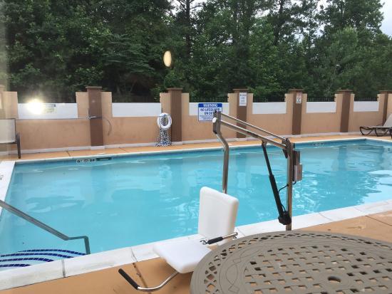 Holiday Inn Express Salisbury-Delmar: photo0.jpg