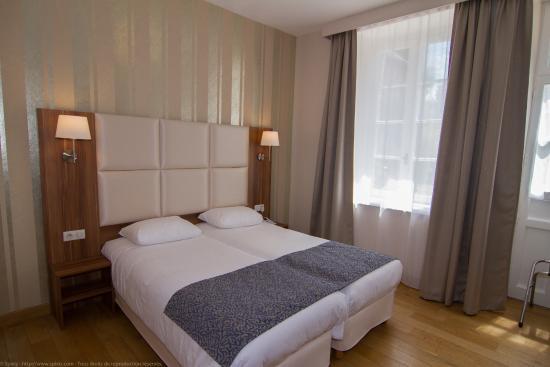 Hotel - Restaurant du Chateau: Chambre familiale TWIN