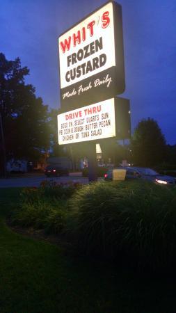 Whit's Frozen Custard: Whit's at night.