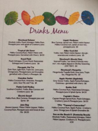 Vanceburg, เคนตั๊กกี้: Smoker going, drinks menu and all enjoying