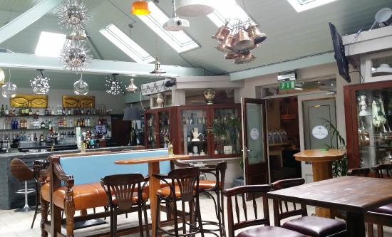 Дрогеда, Ирландия: Tables