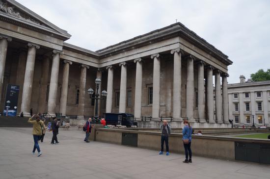 British Museum Foyer : Entrance hall photo de british museum londres tripadvisor