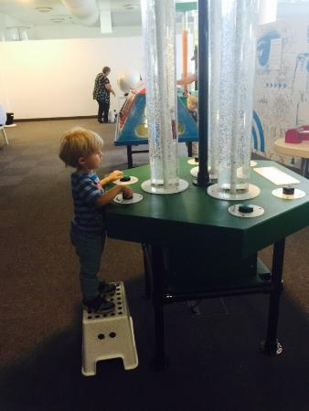 Winchester Science Centre and Planetarium : Great day out for kids (and big-kids like me)!