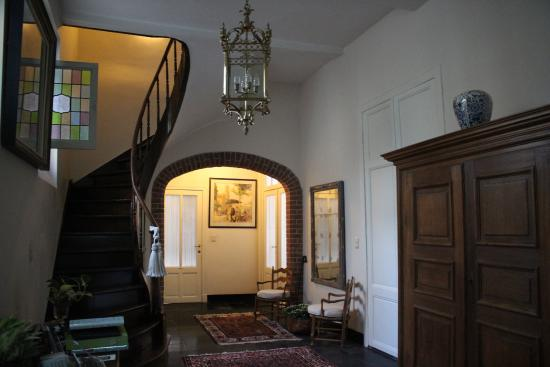 Sint Andries Cruyse: Entry Way