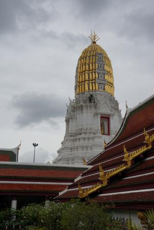 Buddhas - Picture of Phra Si Ratana Temple (Wat Yai), Phitsanulok - TripAdvisor
