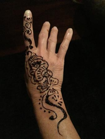 Namale the Fiji Islands Resort & Spa: henna night