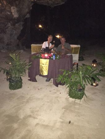Namale the Fiji Islands Resort & Spa: cave dininig