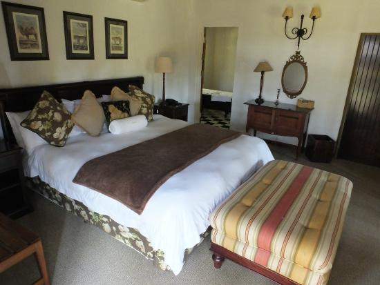 Jatinga Country Lodge: Our room