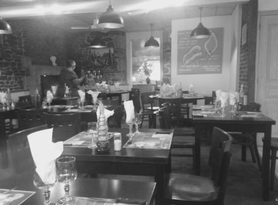 Pre-en-Pail, França: Notre Restaurant